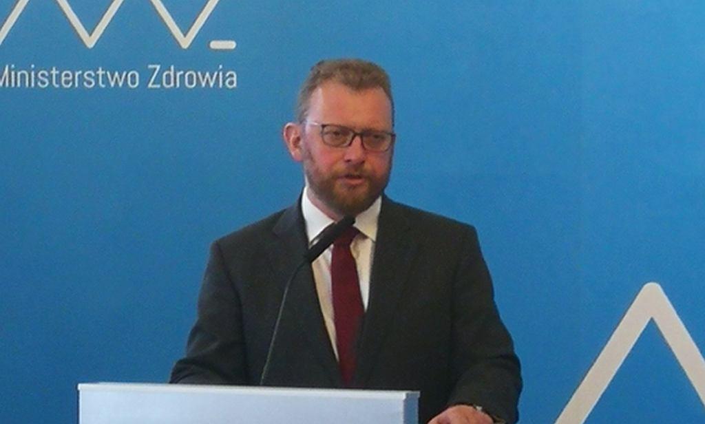 Łukasz Szumowski twierdzi, że spełnił wszystkie obietnice z porozumienia z lekarzami rezydentami