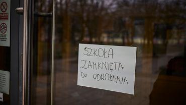 Szkoła zamknięta do odwołania (zdjęcie ilustracyjne)
