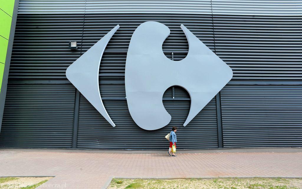 Testy na obecność przeciwciał COVID-19 w sklepach sieci Carrefour