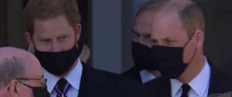 Książę Harry i książę William na pogrzebie księcia Filipa. Spotkali się po roku