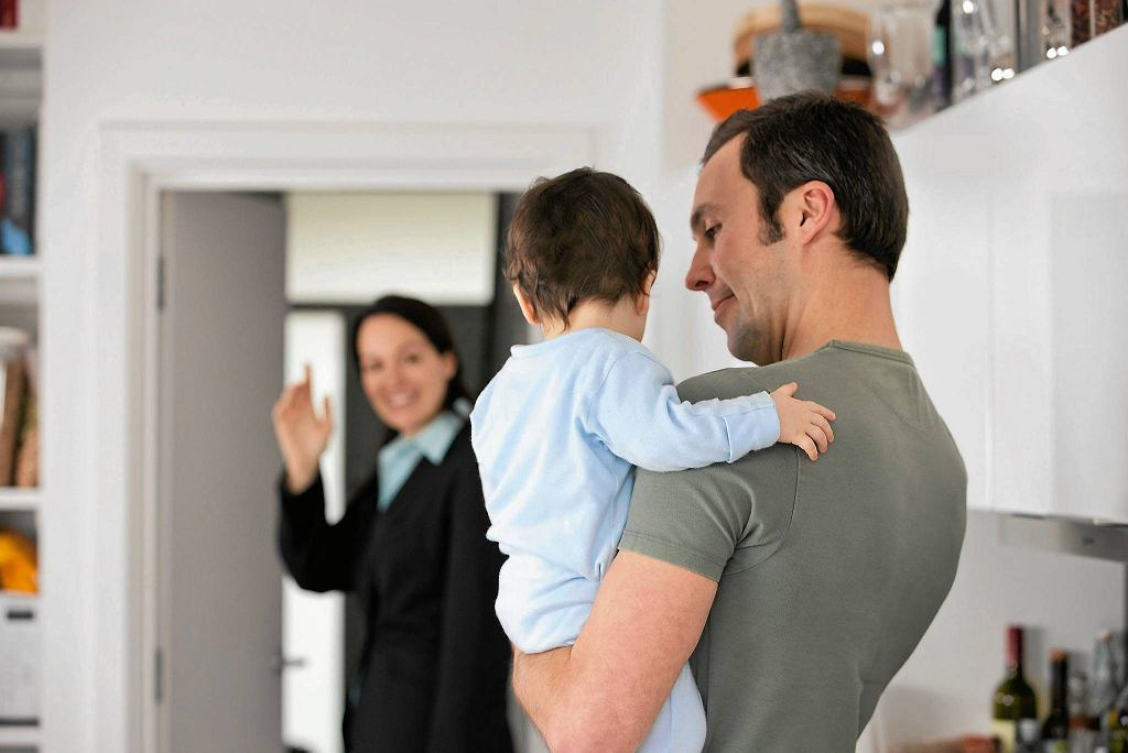 Nawet z małym dzieckiem przed wyjściem trzeba się pożegnać, nie znikać bez wyjaśnienia.