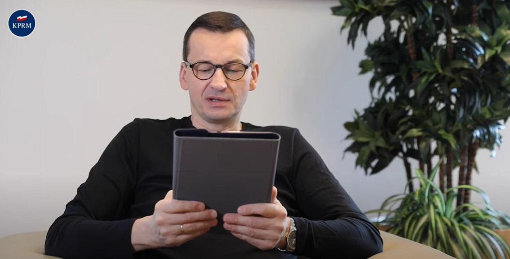 E- Dzień Dziecka - politycy czytają bajki