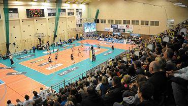 Hala w Policach jest zbyt mała, by rozgrywać w niej mecze Ligi Mistrzyń