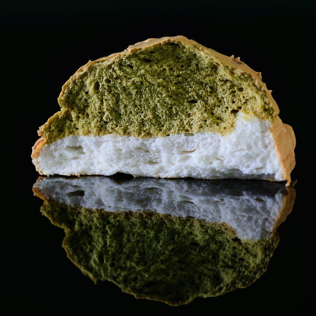 Cloudy  bread z matchą