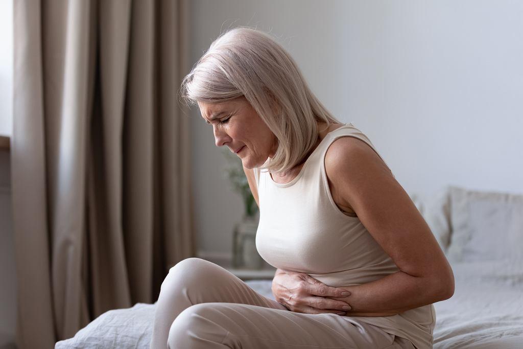 Ból brzucha, biegunki, niekontrolowanie kału - objawy mikroskopowego zapalenia jelit znacznie obniżają jakość życia.