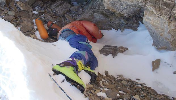 Zielone Buty Czyli Szlak Umarlych Na Mount Everest Wiadomosci Ze Swiata Gazeta Pl