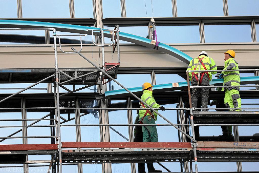 Płace znacząco rosły też w budownictwie. Średnio o 7,5 proc. Najbardziej przy budowie obiektów inżynierii lądowej