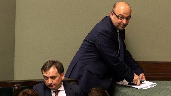 """Wiceminister Piebiak stał za hejtem na sędziów. """"Nie ma już wiceministra, tym bardziej sprawiedliwości"""""""