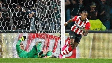 Gol Luciano Narsingha pozwolił PSV pokonać Manchester United