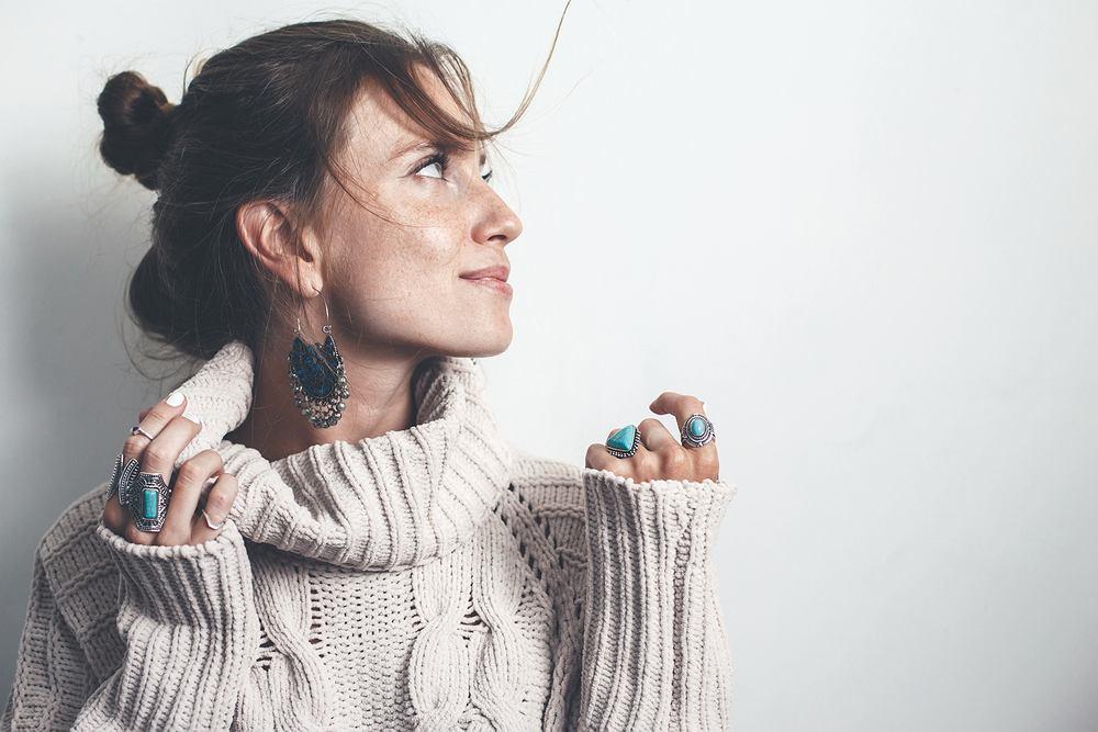 Modna biżuteria na sezon jesień/zima 2019. Najnowsze trendy od projektantów