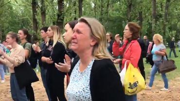 Tłum przed aresztem w Mińsku