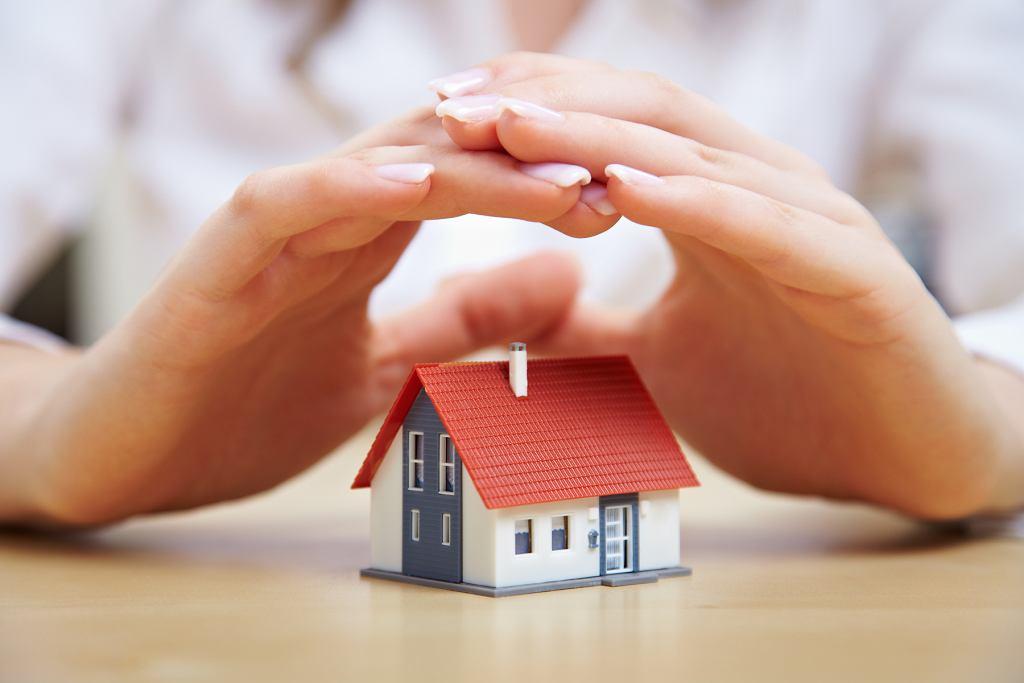 Zabezpiecz mieszkanie przed wyjazdem