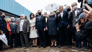 Manifestacja pod czterema flagami zainaugurowała obchody 40. rocznicy podpisania Porozumień Sierpniowych
