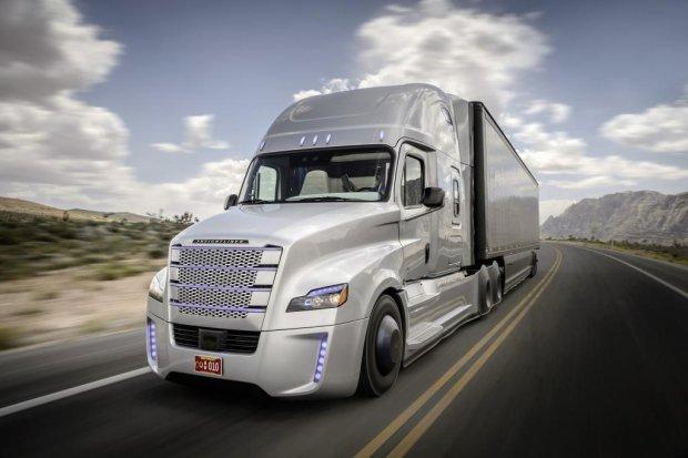 Po raz pierwszy w historii przez Europę przejadą konwoje zrobotyzowanych ciężarówek