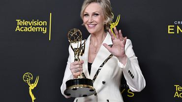 Jane Lynch  z nagrodą Creative Arts Emmy Awards