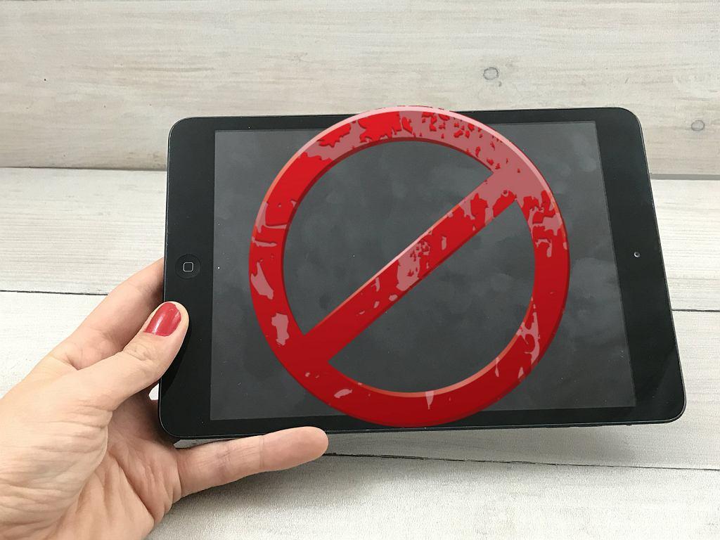 Brudnym śladom na ekranach, mówimy stanowczo nie!