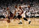 NBA. Dwyane Wade rzucał do kosza w trakcie hymnu Kanady. Jak przyjmą go w Toronto?
