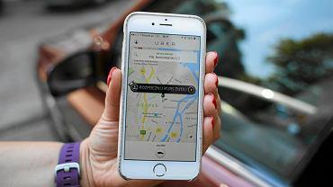 Aplikacja firmy przewozowej Uber. Kierowca Polak, pasażer z Polski, usługa realizowana w Polsce. Pieniądze, które pasażer płaci za kurs? Płyną do Holandii