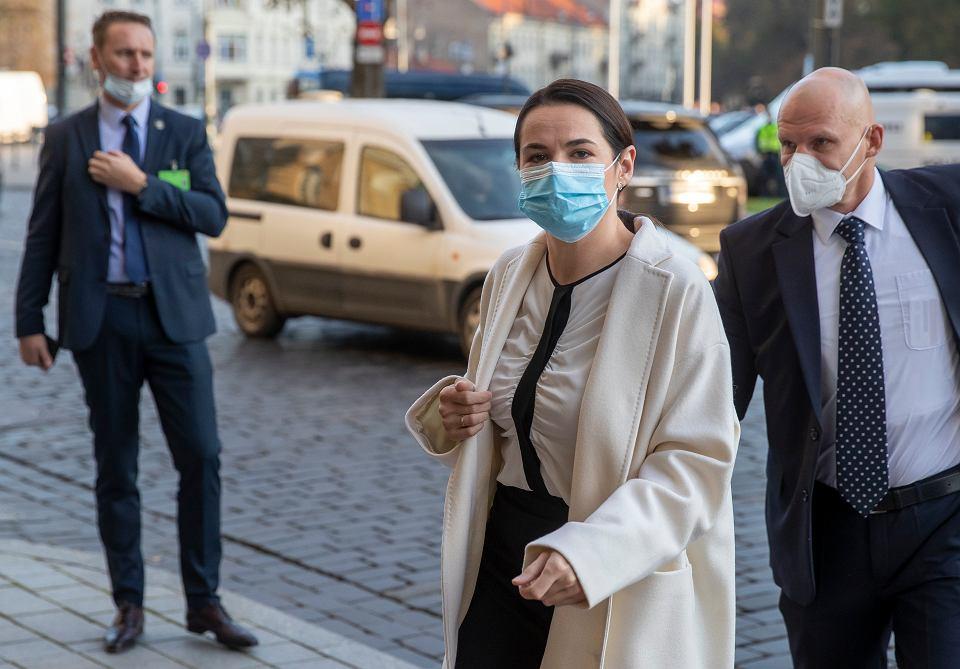 Swiatłana Cichanouska w drodze na spotkanie z Emmanuelem Macronem, 29 września 2020 r.