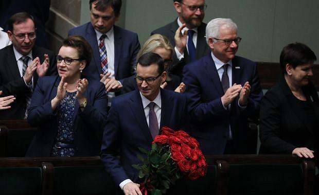 Rząd Morawieckiego z wotum zaufania. Po głosowaniu posłowie Zjednoczonej Prawicy skandowali: Mateusz, Mateusz