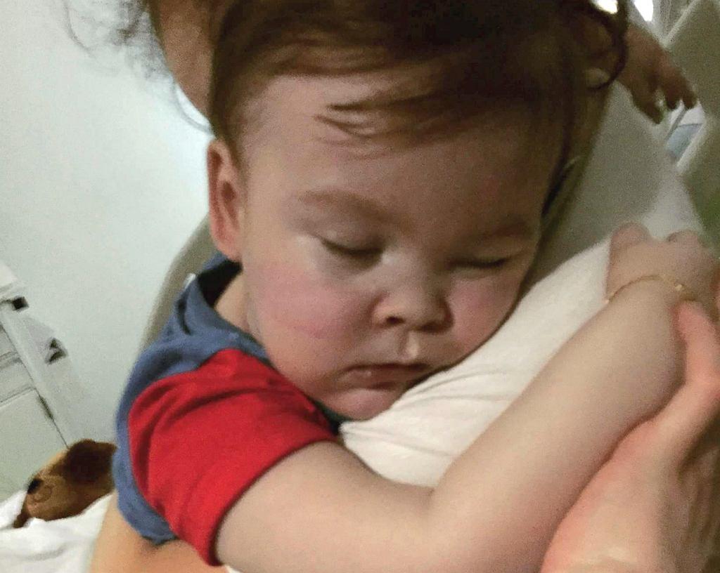 Alfie Evans na rękach u swojej mamy w Alder Hey Hospital, 23.04.2018