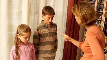 - Rodzic jest pierwszą ważną osobą w życiu dziecka i to na podstawie swoich relacji z rodzicem dziecko uczy się tego, jak wyglądają relacje  z ważnymi ludźmi - mówi Jarek Żyliński