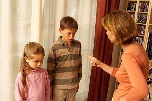 """Kary do lamusa? """"Kiedyś wychowywaliśmy dzieci tak, że przełamywaliśmy ich wolę"""". Teraz jest inaczej [WYWIAD]"""