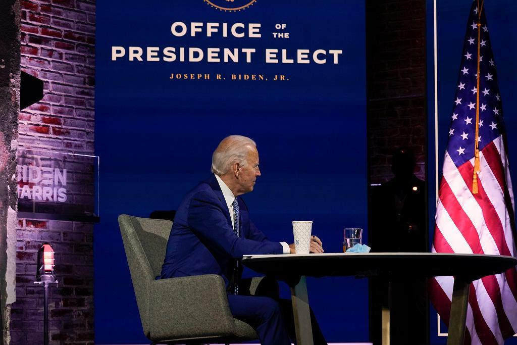 Joe Biden w biurze prezydenta-elekta podczas spotkania z ekspertami na temat pandemii koronawirusa, 9 listopada 2020 r.
