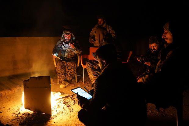 Bojownicy Syryjskich Sił Demokratycznych, którzy biorą udział w walkach z tzw. Państwem Islamskim