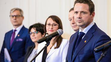 Rafał Trzaskowski i jego zastępcy przejdą trening medialny za 2 mln złotych? Ratusz: Fake news