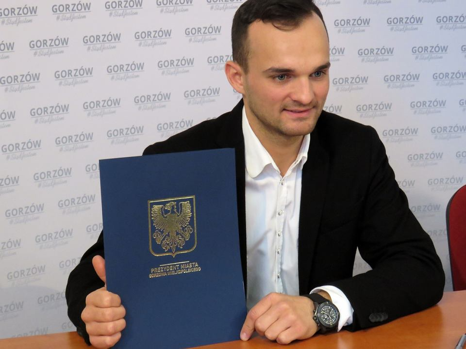 Zdjęcie numer 2 w galerii - Gorzów wyda prawie 1,7 mln zł na promocję przez żużel. Umowy ze Stalą i Bartoszem Zmarzlikiem