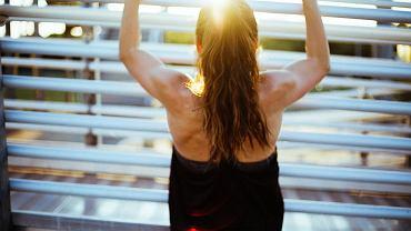 odpowiednie ćwiczenia przyniosą ulgę obolałym plecom
