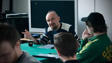 Jan Klata w trakcie prób do 'Zemsty rosyjskiej sieroty' w Teatrze Jaracza