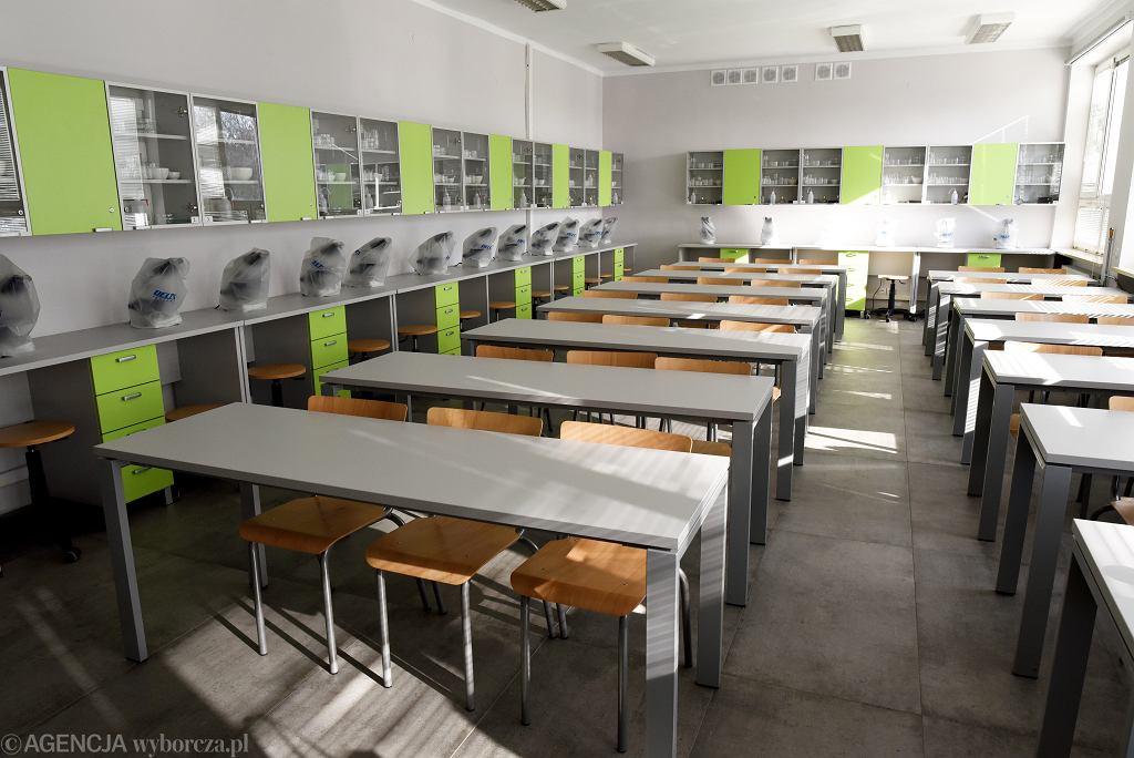Pusta sala w olsztyńskiej szkole