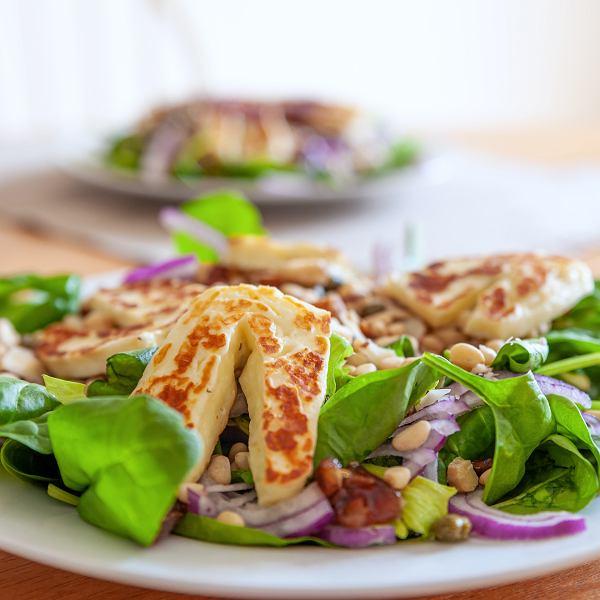 Przepisy na sałatki do potraw z grilla