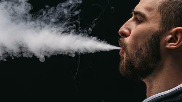 Wapowanie nawet przez kilka miesięcy niesie ryzyko chorób jamy ustnej