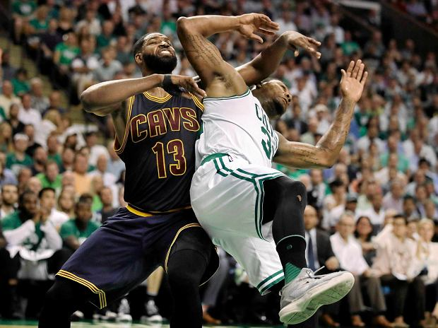 NBA. Duet James - Love ograł Celtics