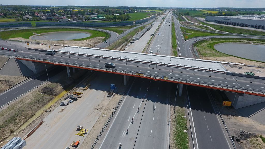 Budowa autostrady A1 na odcinku Tuszyn - Piotrków Trybunalski (maj 2021)