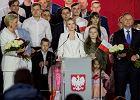 Kinga Duda zabrała głos na wieczorze wyborczym. Aktywistki: Można kochać ojca, nie można przemilczać przemocy