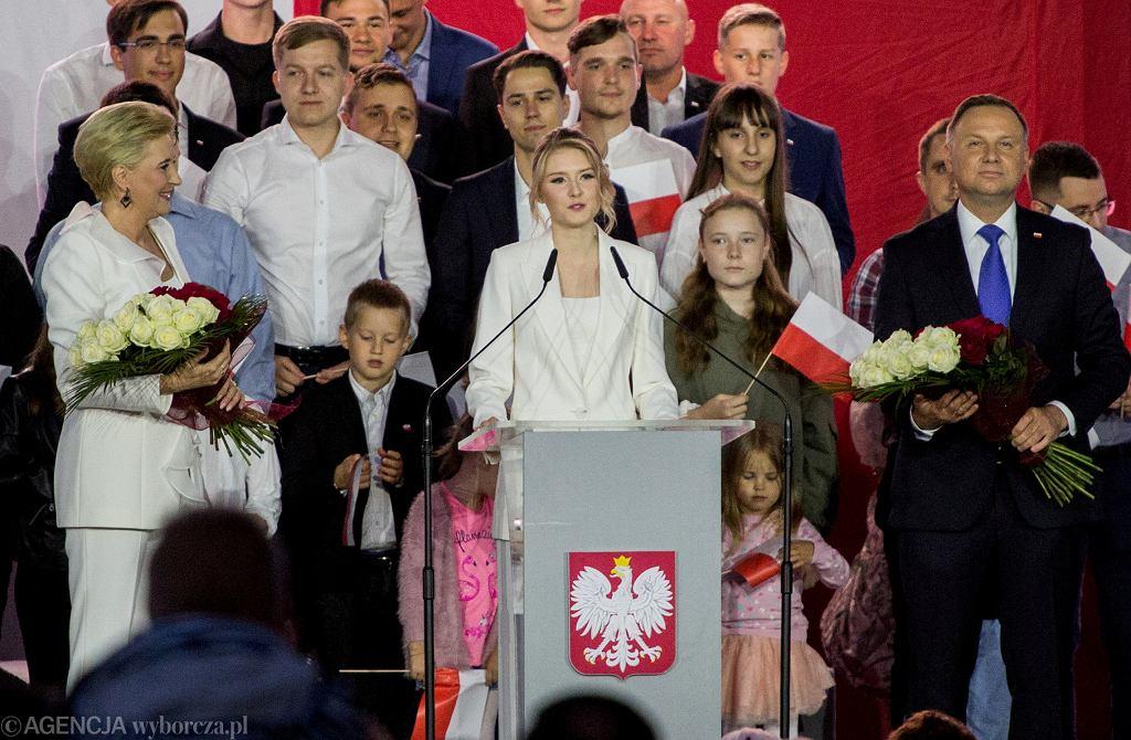 Wybory prezydenckie 2020. Kinga Duda przemawia podczas wieczoru wyborczego Andrzeja Dudy.