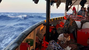 Migranci na hiszpańskim statku Open Arms