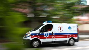 Wypadek w Lędzinach. Sześciolatka potrąciła samochodem dwie osoby (zdjęcie ilustracyjne)