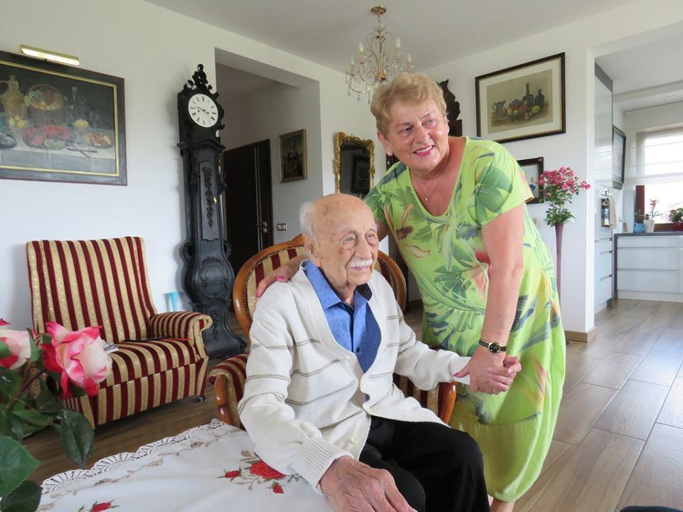 Arnold Leissler, 109-letni Niemiec, architekt, malarz,  poeta z Hanoweru mieszka u swojej opiekunki Grażyny Jędrzejczak w Stawie koło Lubiszyna