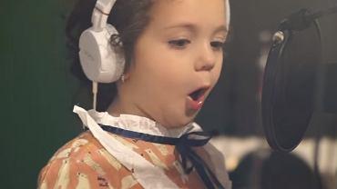 5-latka genialnie zaśpiewała hit Franka Sinatry.