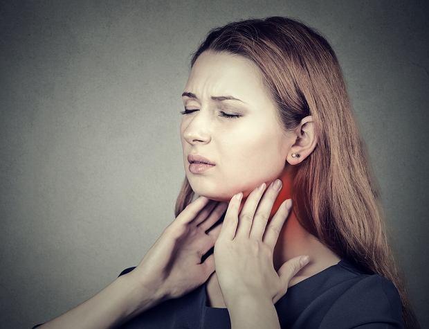 Ból gardła latem: dlaczego latem boli gardło, leczenie