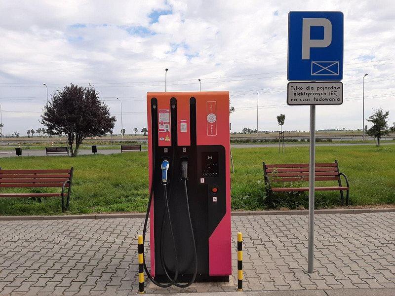 Ładowarka samochodów elektrycznych, autostrada A4, MOP Wierzbnik