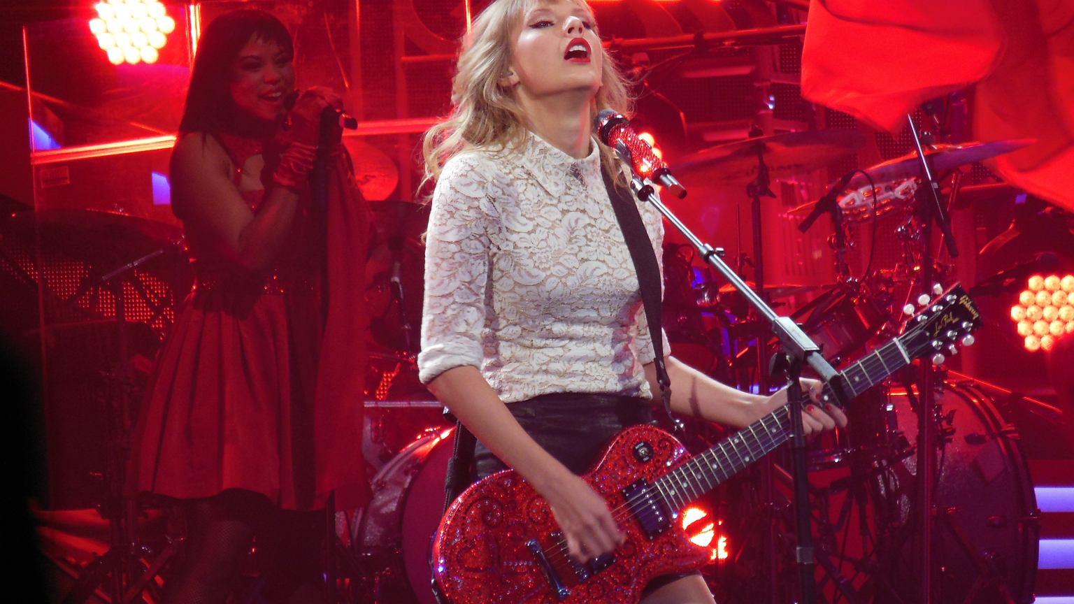 Najwięcej w zeszłym roku zarobiła Taylor Swift. Są też niespodzianki