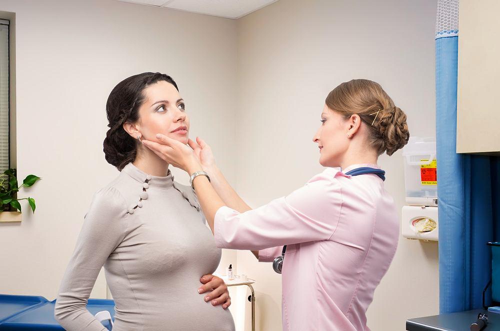 Skóra w ciąży pod wpływem hormonów szaleje tak samo jak emocje