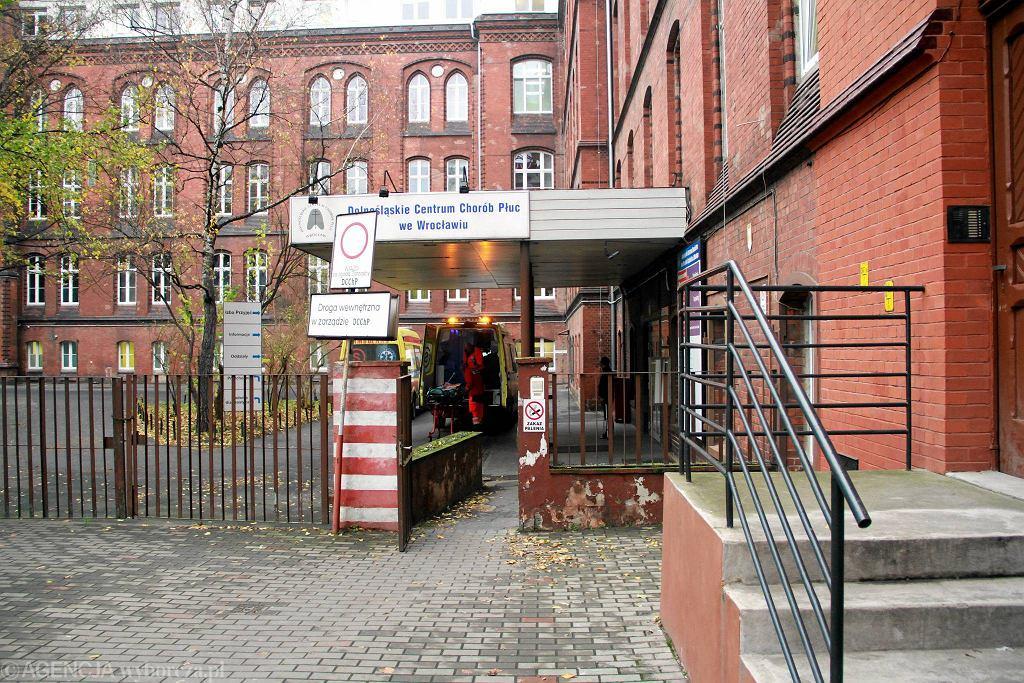 Dolnośląskie Centrum Chorób Płuc. Jest tu już 41 osób zakażonych koronawirusem.