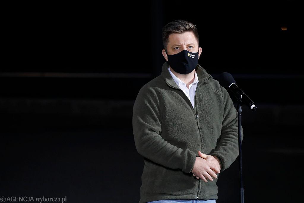 Michał Dworczyk poinformował we wtorek, że personel medyczny nie będzie podlegał kwarantannie